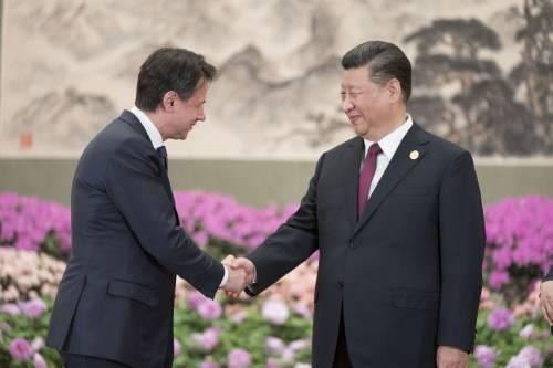 Il presidente del Consiglio Italiano Giuseppe Conte e il presidente cinese Xi Jinping
