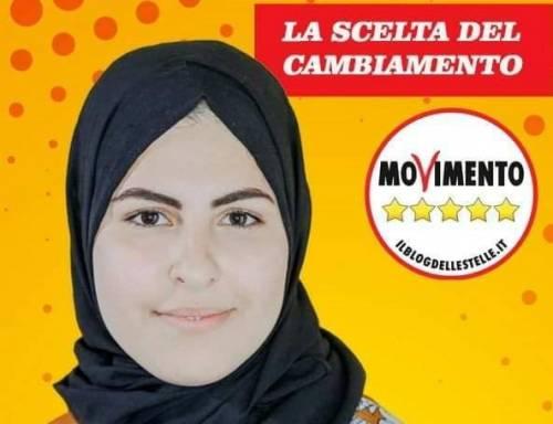 La candidata del M5S corre col velo islamico: è polemica sui social
