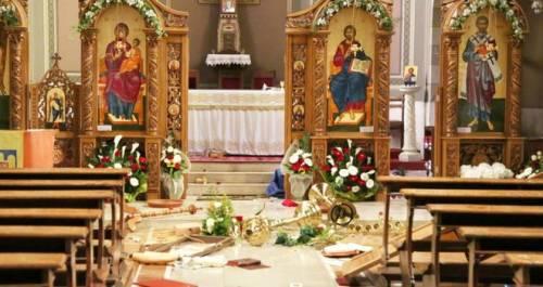 Gli avamposti della cristianità alla mercé di vandali e ubriachi