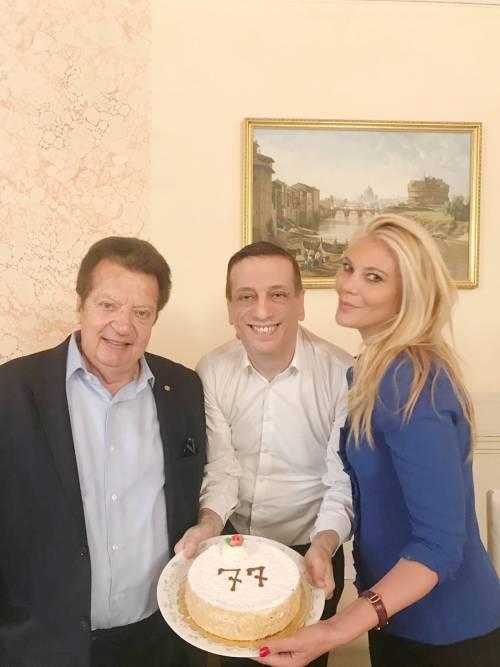 Vittorio Cecchi Gori festeggia il compleanno a casa di Eleonora Daniele