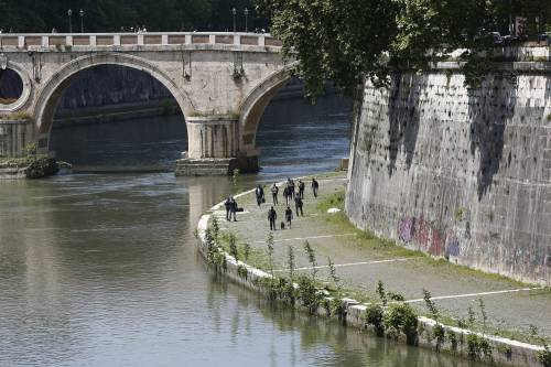 Roma, trovato il corpo di una donna sotto Ponte Sisto 4