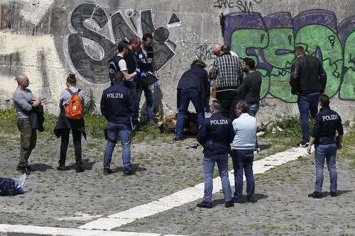 Roma, trovato il corpo di una donna sotto Ponte Sisto 7
