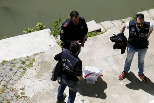 Roma, trovato il corpo di una donna sotto Ponte Sisto 8