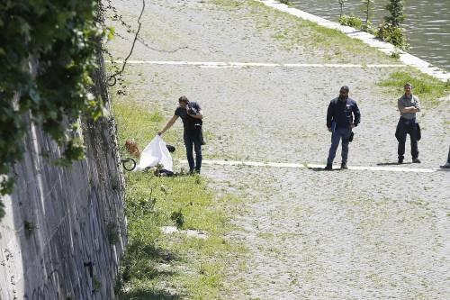 Roma, trovato il corpo di una donna sotto Ponte Sisto 12