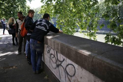 Roma, trovato il corpo di una donna sotto Ponte Sisto 2
