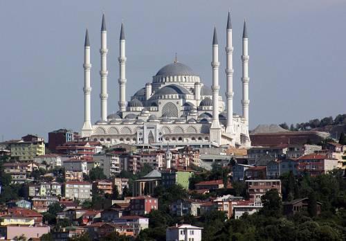 """Turchia, nelle moschee la """"preghiera di Fatih il conquistatore"""""""