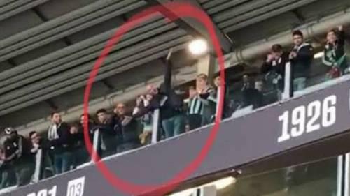 """Tifoso Juve """"mima"""" aereo di Superga allo stadio: identificato e daspato"""