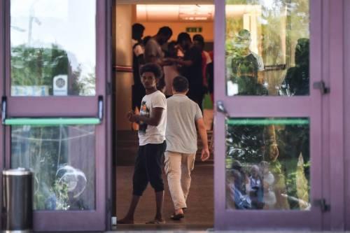 Sesso (a pagamento) con minori: operatrice del centro migranti a processo