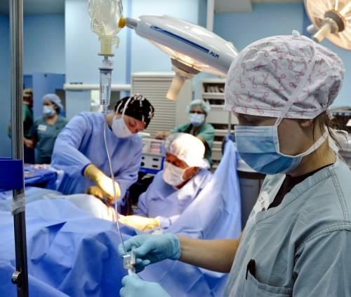Asportato il rene sano: condannati tre medici