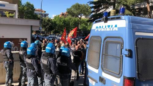 Tensione tra Casapound e antifascisti a Casal Bruciato 9