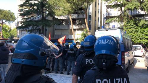 Tensione tra Casapound e antifascisti a Casal Bruciato 10