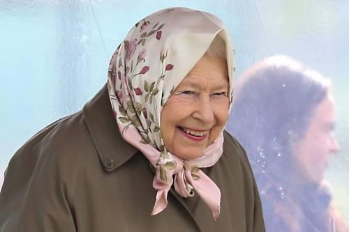 Meghan Markle, il Principe Harry e la Regina Elisabetta II: foto 2