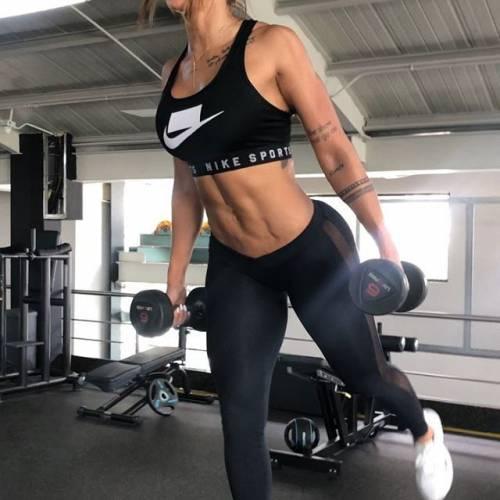 Sonia Isaza ha fatto perdere la testa a Vidal: gli scatti di lady Vidal 5