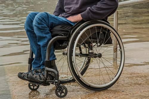 Disabile lasciato senza linea telefonica a causa di una bega condominiale