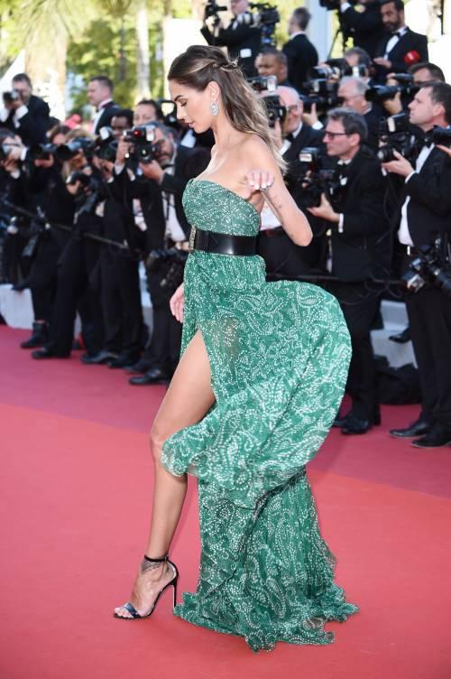 Cannes 2019, Melissa Satta manda in delirio i paparazzi al suo look super hot 3