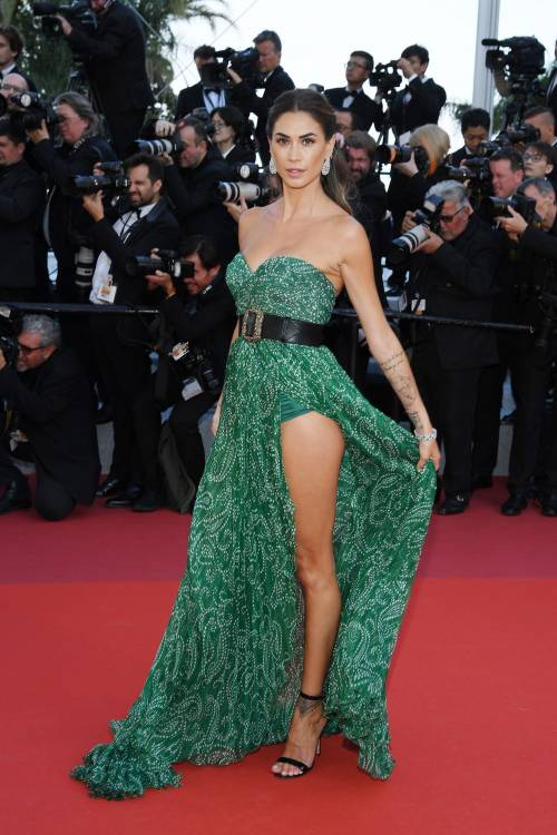 Cannes 2019, Melissa Satta manda in delirio i paparazzi al suo look super hot 2