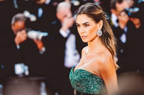 Cannes 2019, Melissa Satta manda in delirio i paparazzi al suo look super hot 4