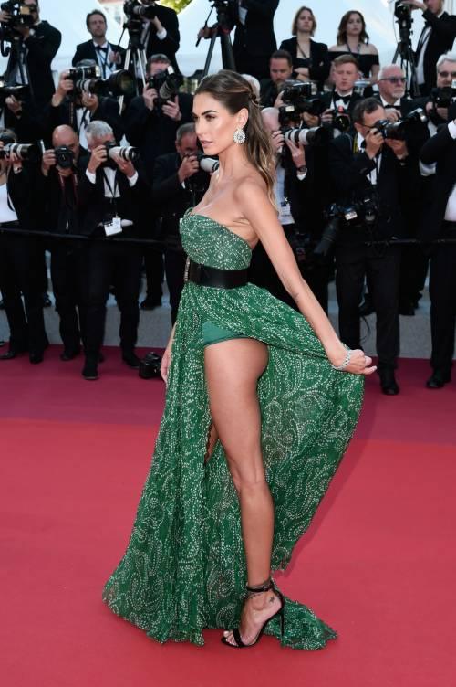 Cannes 2019, Melissa Satta manda in delirio i paparazzi al suo look super hot 6