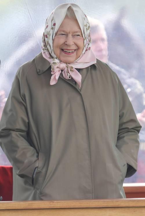 Regina Elisabetta II, le foto della sovrana 5