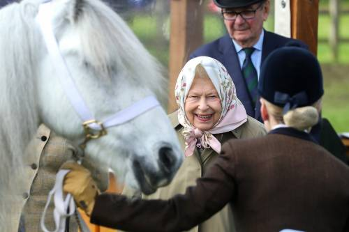 Regina Elisabetta II, le foto della sovrana 8