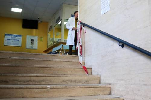 Sparatoria in ospedale a Napoli 3