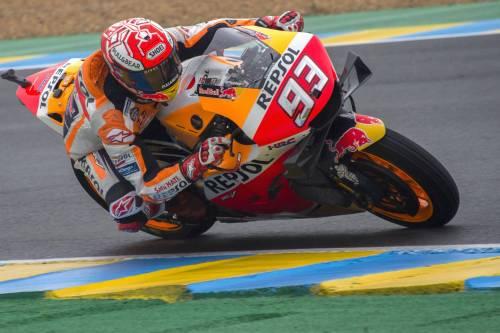 Motogp, Marquez vince a Le Mans: Dovizioso e Petrucci sul podio. Solo quinto Rossi