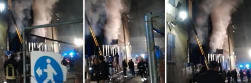Dà fuoco alla sede dei vigili: due morti. Arrestato straniero