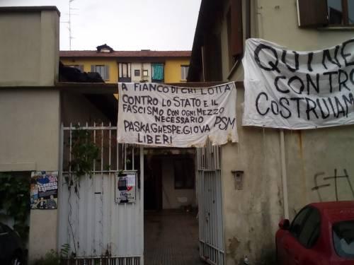 Milano, l'autogol dei collettivi: occupano il palazzo di Jacopo Fo