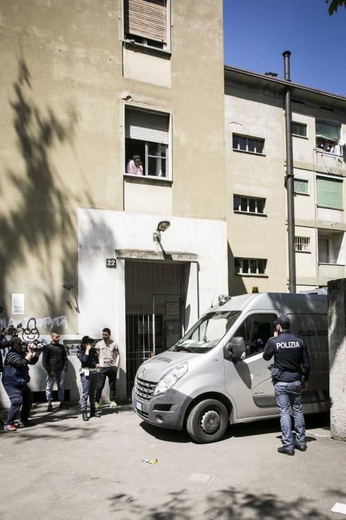 Milano, le immagini della casa del bimbo di due anni trovato morto 15