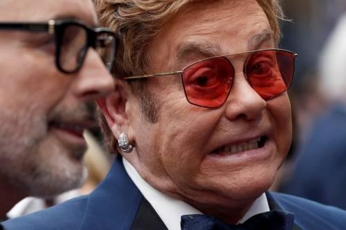 Elton John, indirizzo pubblicato per errore: gaffe del governo britannico