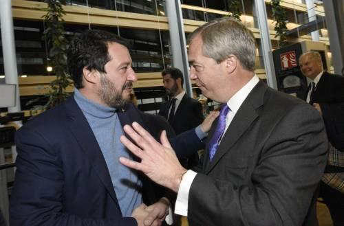 No di Farage a Salvini e Le Pen. Ma le trattative non si fermano