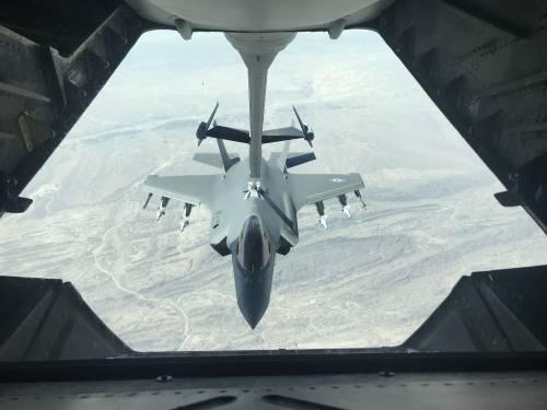 Iraq, gli Usa bombardano l'Isis sull'isola di Qanus