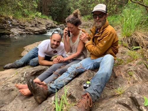 Amanda, maestra di yoga sopravvissuta 16 giorni nella foresta delle Hawaii