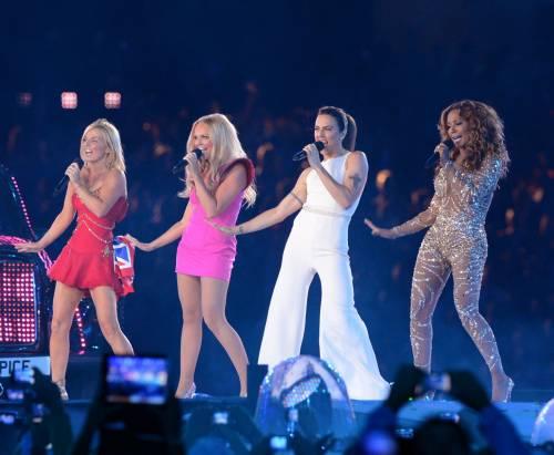 Geri tradisce ancora le Spice Girls? Fan furiosi contro di lei