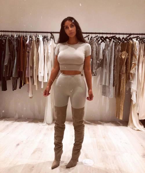 Kim Kardashian mozzafiato su Instagram: foto 1