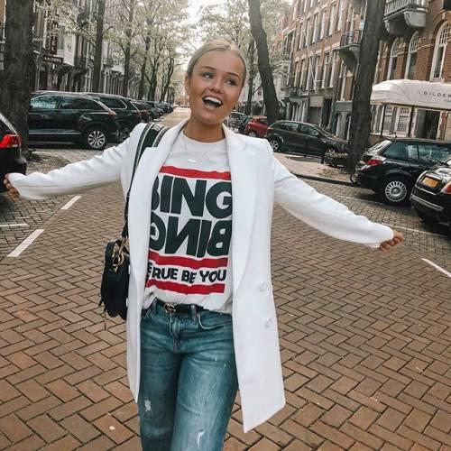 Mikky Kiemeney spopola su Instagram: gli scatti di lady de Jong 3