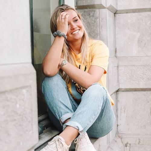 Mikky Kiemeney spopola su Instagram: gli scatti di lady de Jong 5