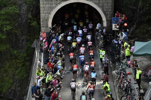 """""""Attraversa tutto il Paese. Usiamo il Giro d'Italia per riaprire il nostro sport"""""""