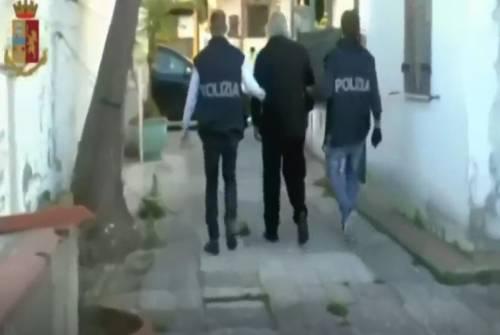Africano accusato di stupro viene portato in questura ma scappa dalla finestra