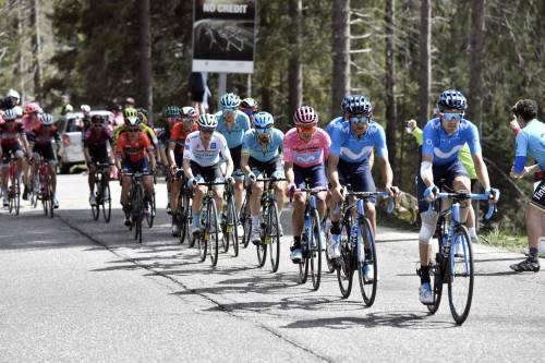Giro d'Italia, 20a tappa: vince Pello Bilbao. Carapaz sempre in rosa