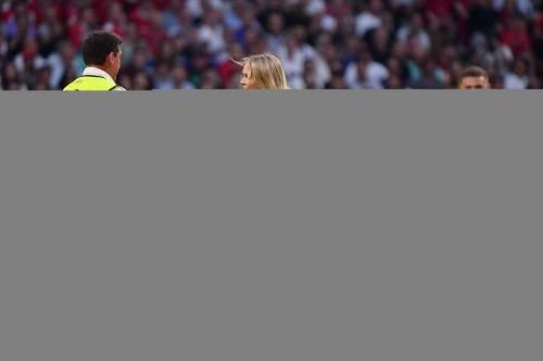 Champions League, la sexy invasione di campo in Tottenham-Liverpool 3