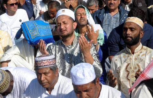 Moschee chiuse e Ramadan a casa. Ma il Pakistan va controcorrente