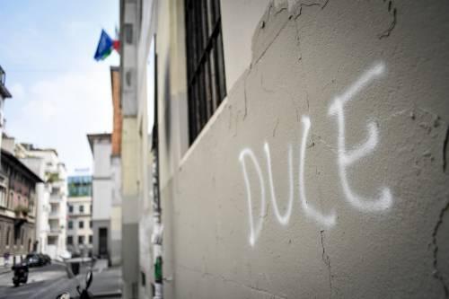 Milano, svastiche e scritte naziste sui muri del liceo Parini 4