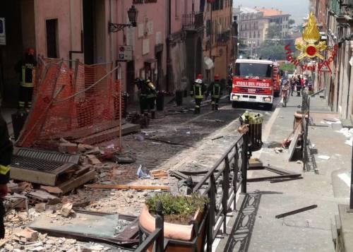 Rocca di Papa, esplosione nel municipio: gravi il sindaco e una bimba