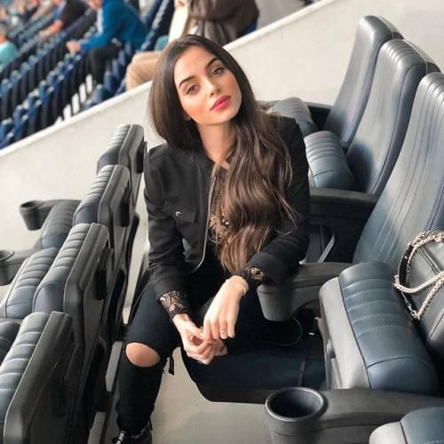 Tiffany Alvares fa impazzire i follower su Instagram 8