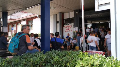Whirlpool, tra i lavoratori in presidio a Napoli 4