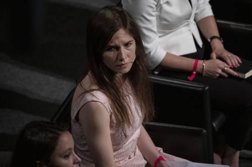 """Amanda Knox sul carabiniere ucciso:  """"Sospendo giudizio ma processo sia in tribunale"""""""