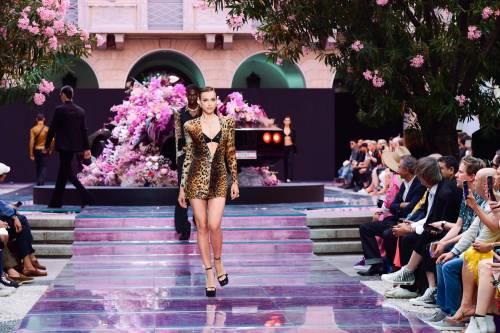 Irina Shayk più sexy che mai sulle passerelle italiane 7