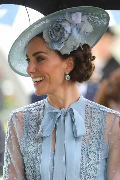 I cappelli e i look più curiosi del Royal Ascot 3