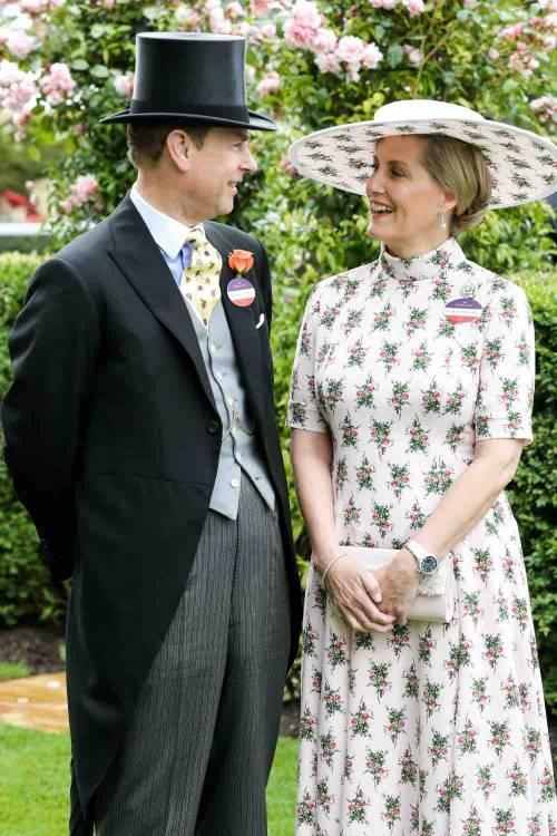 I cappelli e i look più curiosi del Royal Ascot 7